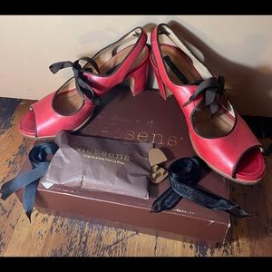 Neosens Red Healed Women's Shoes. Size: 40